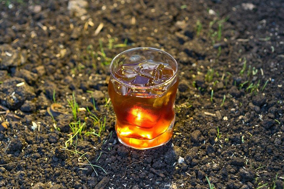 Холодный кофе: 7напитков снеобычными ингредиентами. Изображение № 8.