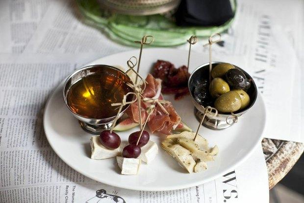 Новости ресторанов: Oldich, Strelka Bar, «Хлеб насущный», The Pink Cadillac, Twenty-Two. Изображение № 1.