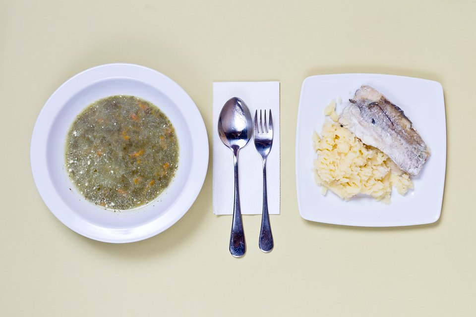 Макароны, сосиски, майонез: Чем кормят вмосковских школах. Изображение № 2.