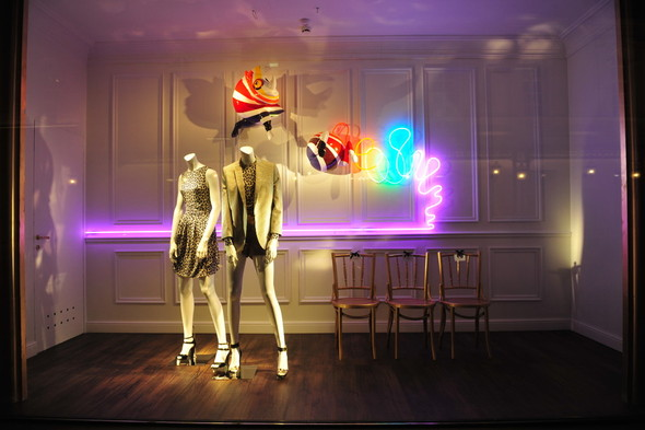 Мы вам покажем: 7 оформителей витрин московских магазинов. Изображение № 2.