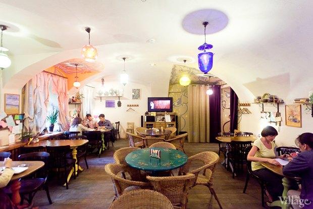 Все свои: Вегетарианское кафе наКазанской улице. Изображение № 2.