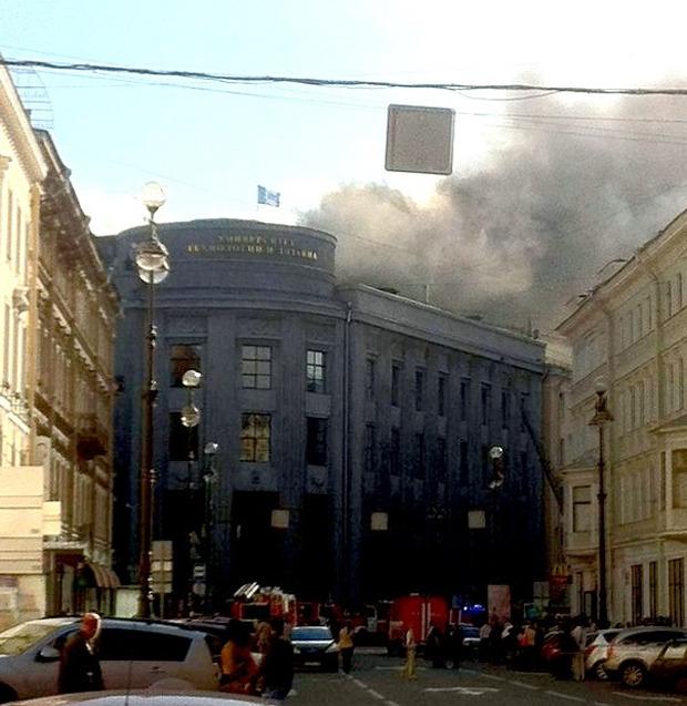 Университет технологии и дизайна на Большой Морской и офис «Газпрома» потушили. Изображение № 1.