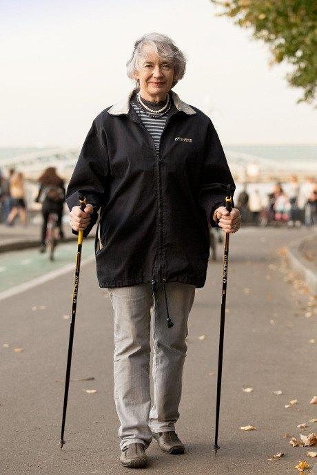 Люди в городе: Кто занимается скандинавской ходьбой. Изображение № 15.