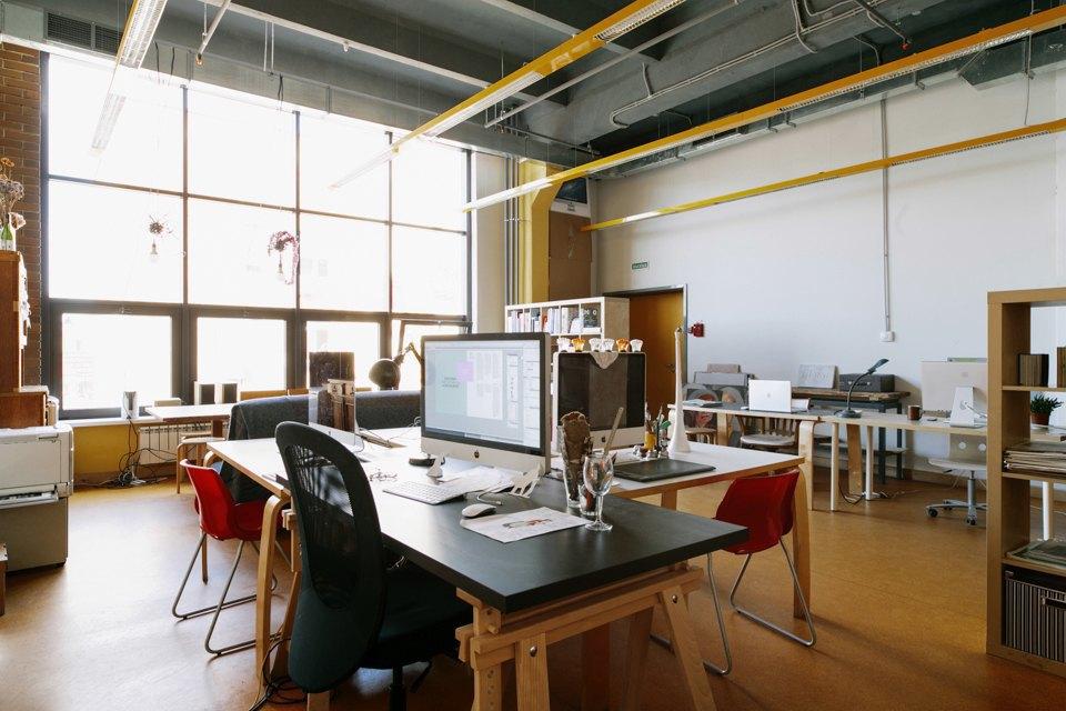 Офис дизайн-бюро «Щука» с усами на стенах. Изображение № 8.