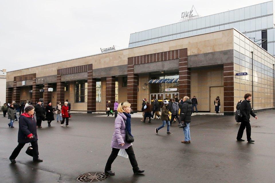 Фоторепортаж: Новый вестибюль «Спасской» изнутри. Изображение № 8.