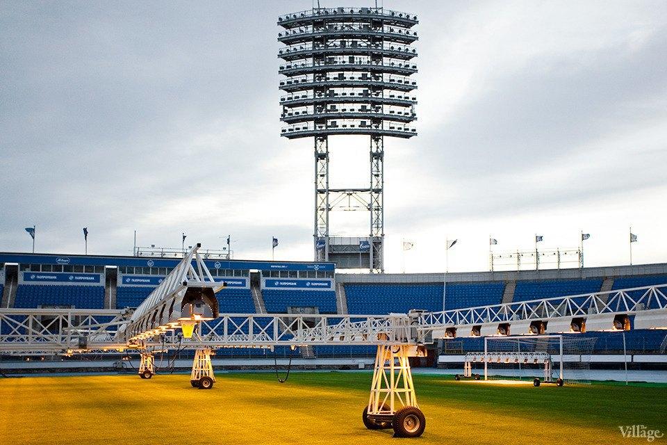 По газону не ходить: Работа агронома нафутбольном стадионе . Изображение № 11.