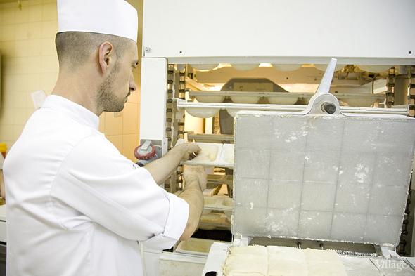 Фоторепортаж с кухни: Как пекут хлеб в «Волконском». Изображение № 9.