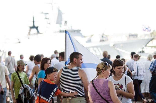 Фоторепортаж: День Военно-морского флота в Петербурге. Изображение № 27.