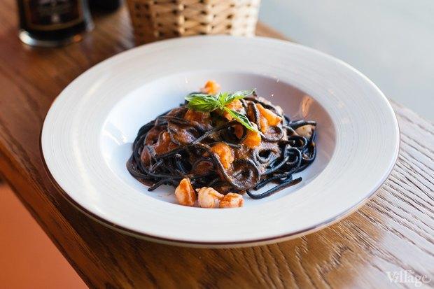 Чёрные спагетти с тигровыми креветками (обеденное предложение). Изображение № 18.