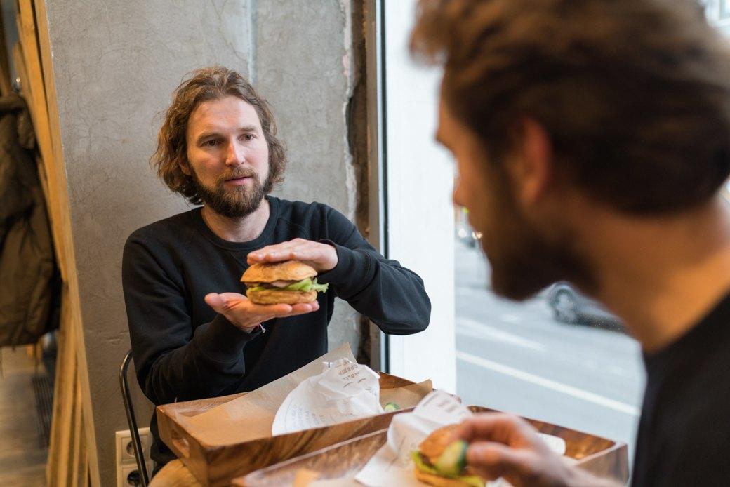 Можно ли есть новые московские бургеры. Изображение № 30.
