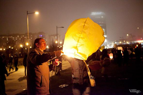Фоторепортаж: Флешмоб с китайскими фонариками. Изображение № 19.