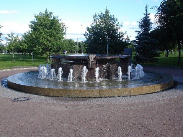 В парке 300-летия заработали отремонтированные фонтаны. Изображение № 1.