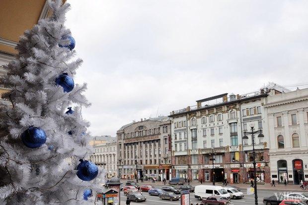 Фото дня: Петербург начали украшать к Новому году . Изображение № 1.