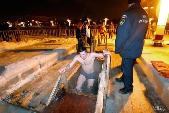 Изображение 25. В прорубь: Репортаж с крещенских купаний.. Изображение № 5.