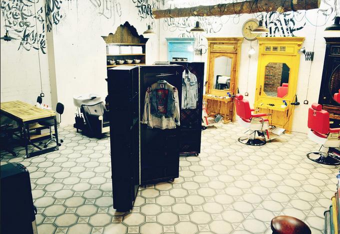 В «Москва-Сити» открылась мужская парикмахерская Black Beard. Изображение № 3.