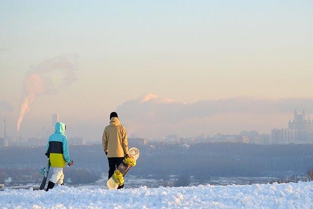 Зима в парках: Тюбинг на Воробьёвых горах, ледяной город в «Кузьминках» и зорбинг в парке Горького . Изображение № 3.