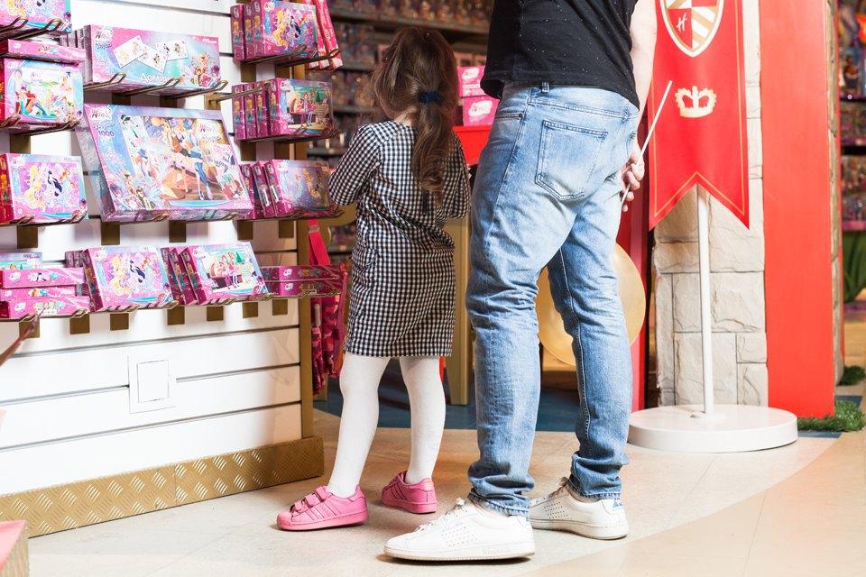 Эксперимент: Что купят на 5000 рублей дети и взрослые в самом большом детском магазине. Изображение № 34.