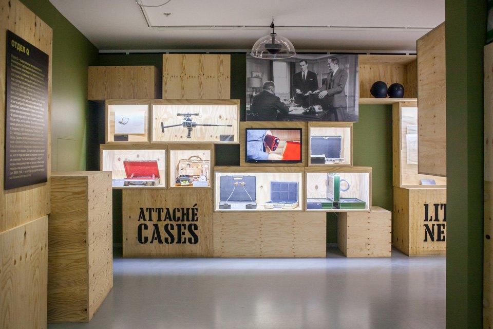 Что посмотреть навыставке «Дизайн007: 50лет стилю ДжеймсаБонда». Изображение № 12.