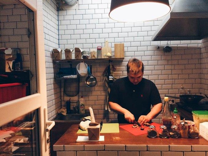 В «Этажах» открылось кафе своками навынос . Изображение № 1.