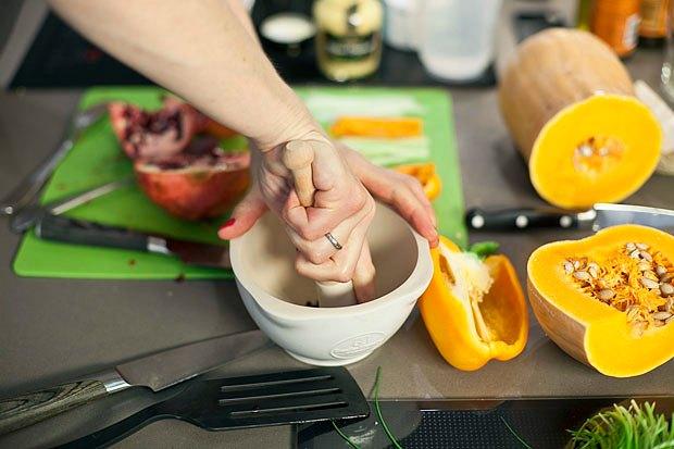 Шеф дома: Ростбиф-салат и тыквенная каша Мириам Сехон. Изображение № 43.