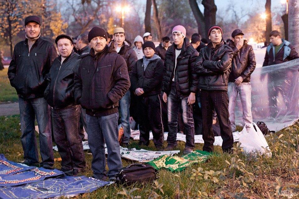 Люди в городе: Как отмечали Курбан-байрам в Москве и Петербурге. Изображение № 28.