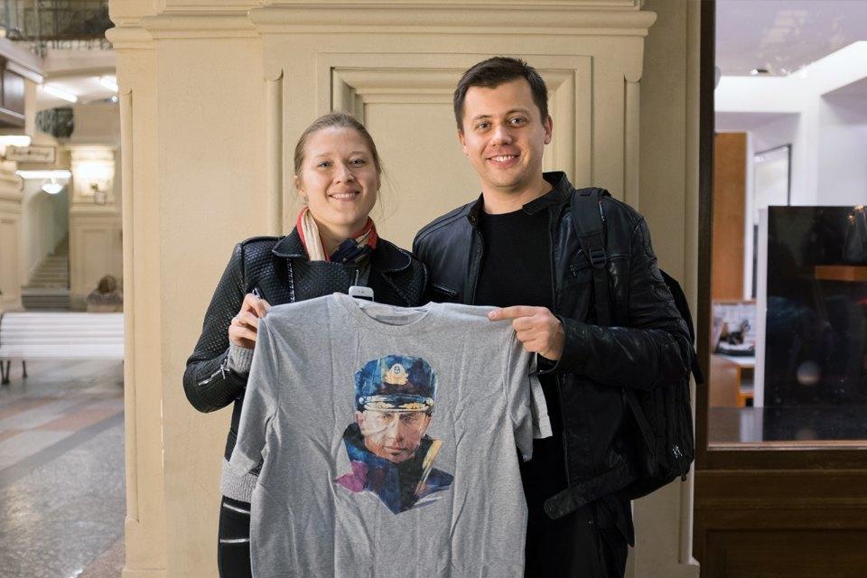 Съёмный патриотизм: Кто и зачем покупает одежду с Путиным. Изображение № 22.