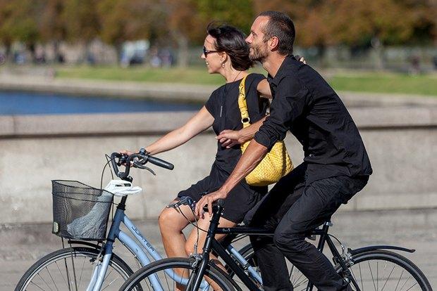 Автор Cycle Chic— одевушках, детях иполитиках навелосипедах. Изображение № 14.