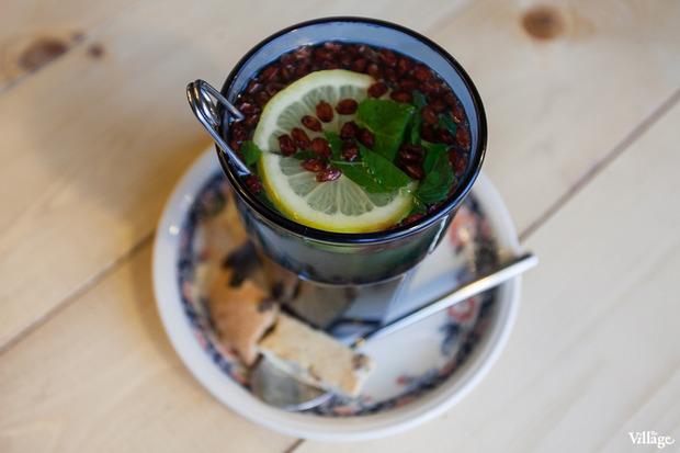 Чай бабушкин с барбарисом, мятой, корицей, мёдом и сухариками — 167 рублей. Изображение № 25.