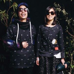 Что надеть: Дублёнка Acne, платье Emma Cook, ботильоны Yves Saint Laurent. Изображение № 1.