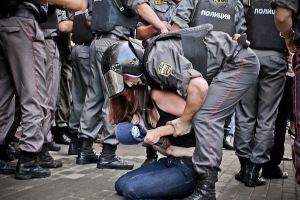 Copwatch: действия полиции на «сидячем» митинге «Стратегии-31» на Триумфальной площади. Изображение № 28.