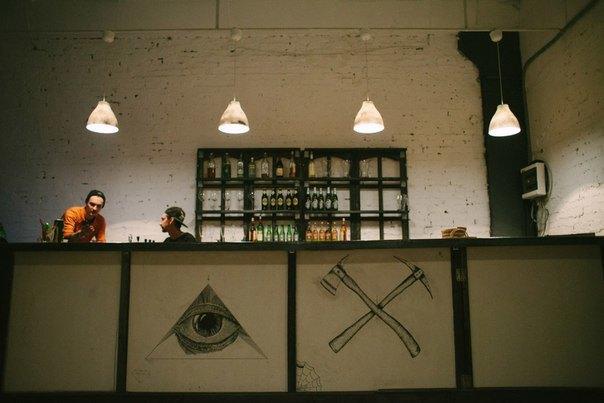 В лофте Contour открылся бар сдомашним алкоголем . Изображение № 1.