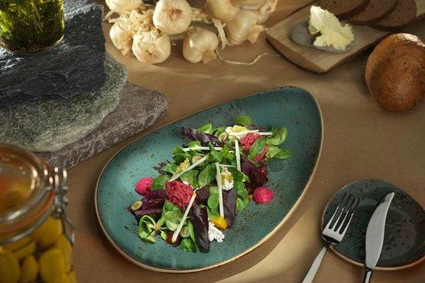 Салат из свеклы и козьего сыра  в «Шинке». Изображение № 20.