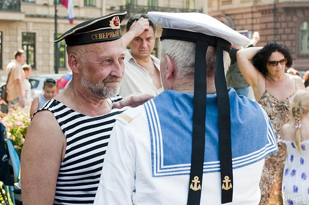 Фоторепортаж: День Военно-морского флота в Петербурге. Изображение № 24.