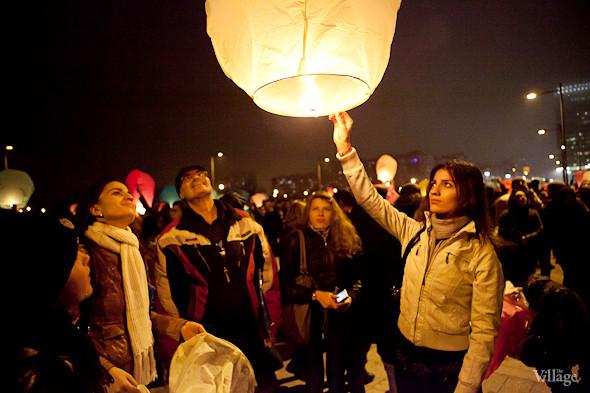 Фоторепортаж: Флешмоб с китайскими фонариками. Изображение № 12.