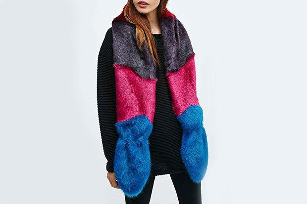 Где купить женский шарф: 9вариантов от 1300до 14тысяч рублей. Изображение № 7.