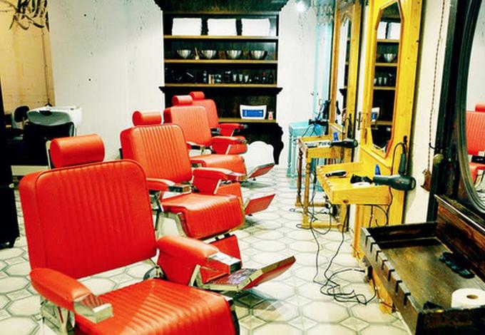 В «Москва-Сити» открылась мужская парикмахерская Black Beard. Изображение № 2.