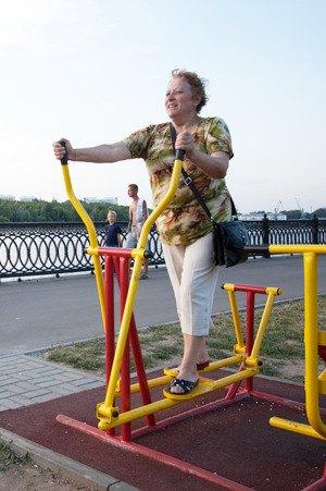 Через «Красивый Петербург» можно оборудовать двор тренажёрами. Изображение № 3.