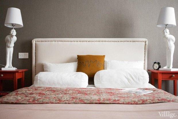 Как изголовье кровати может изменить внешний вид спальни. Изображение № 5.