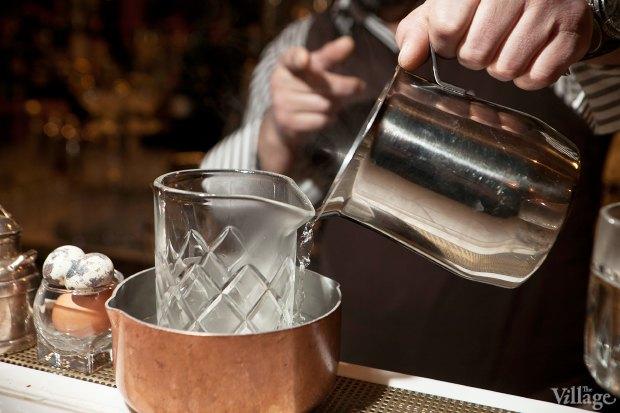 Смесительный стакан поместить в ёмкость с горячей водой, нагреть. Изображение № 25.