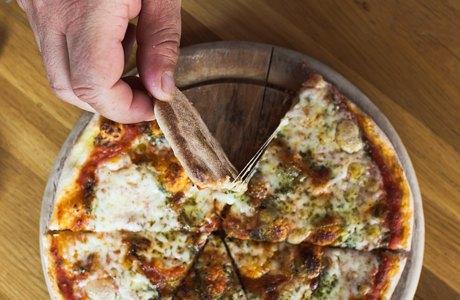 Впоисках лучшей пиццы «Маргарита» . Изображение № 16.