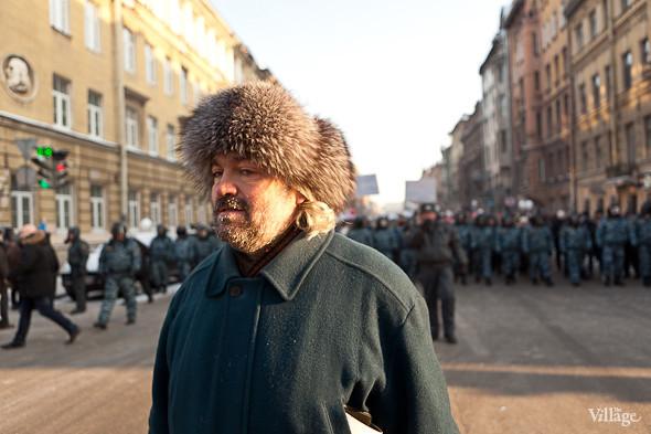 Фоторепортаж: Шествие за честные выборы в Петербурге. Изображение № 13.