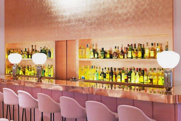 Лондонский ресторан Sketch периодически обновляется приглашённым художником. Этот вариант 2015 года сделал художник Дэвид Шрингли и дизайнер Индия Мадави.. Изображение № 7.