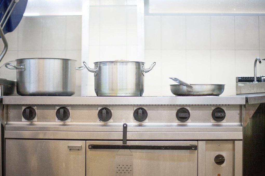 Производственный процесс: Как готовят кошерные обеды для авиапассажиров. Изображение № 8.