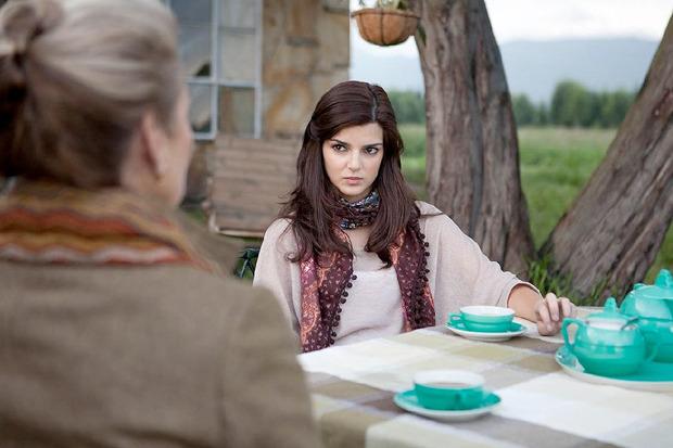 «Бункер», испанский триллер о девушке, начавшей встречаться со зловещим дирижёром. Изображение № 1.