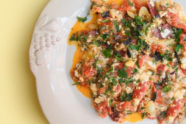 Завтраки дома: Армянская яичница икаша. Изображение № 4.