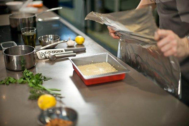 Шеф дома: Ягненок, хумус иоблепиховый десерт шефа «Стрелки». Изображение № 24.