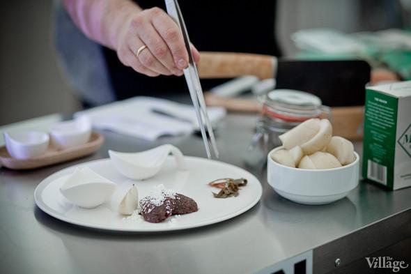 Omnivore Food Festival: Иван Шишкин готовит пеммикан и черемуховые полбяные пряники. Изображение № 50.