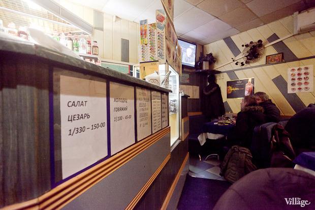 Все свои: Безымянный бар наСенной площади. Изображение № 9.