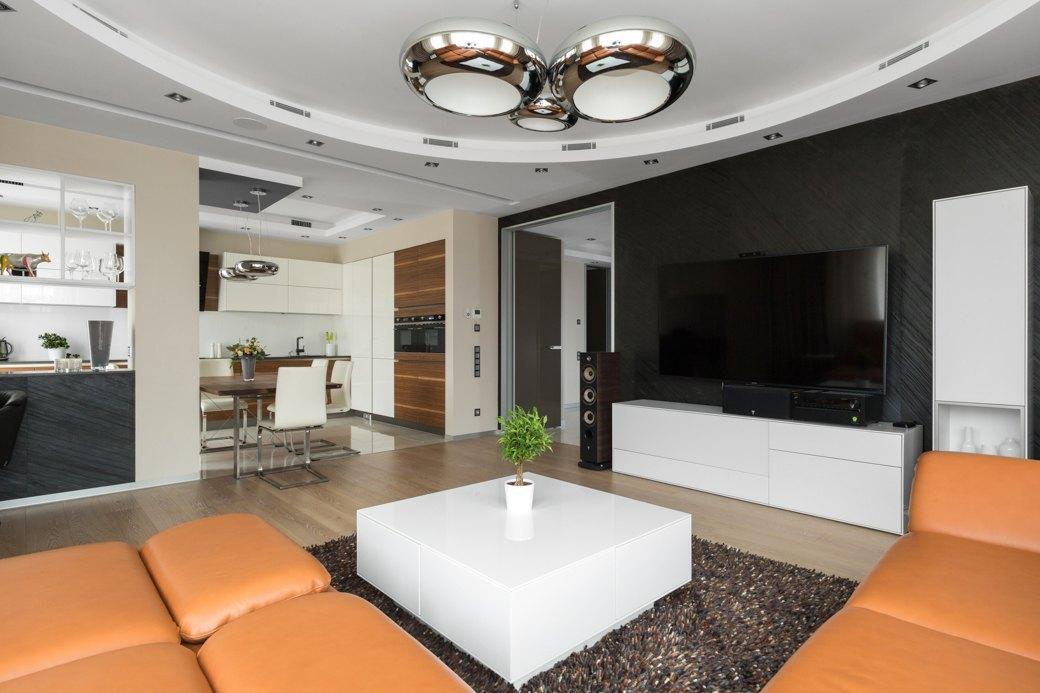 Большая квартира сострогим интерьером в«Парадном квартале» (Петербург). Изображение № 8.