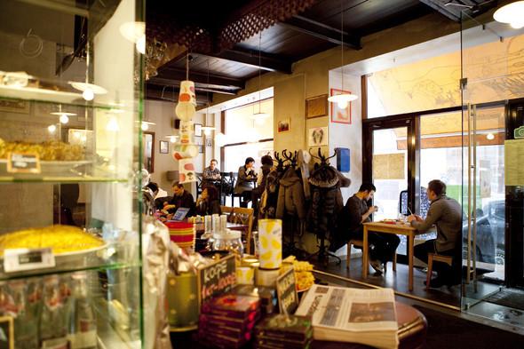 После прочтения съесть: 5 кафе при магазинах. Изображение № 47.